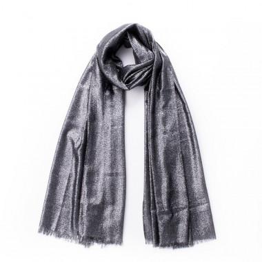 Elegantní šátek přes ramena s lesklou nití černý 200/70