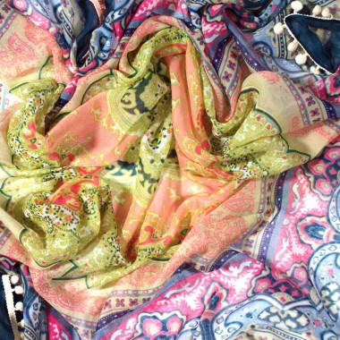Čtvercový šátek se vzorem 110cm*110cm 9C3-121710