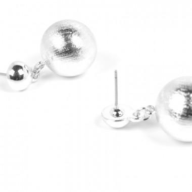 X | náušnice visací / broušené perličky / stříbrný tón