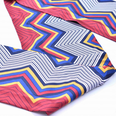 Slim šátek s desénem křivek 150/15