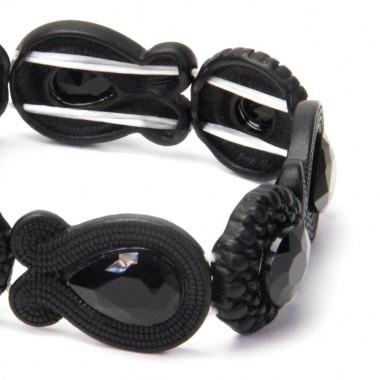 Černý náramek s kamínky